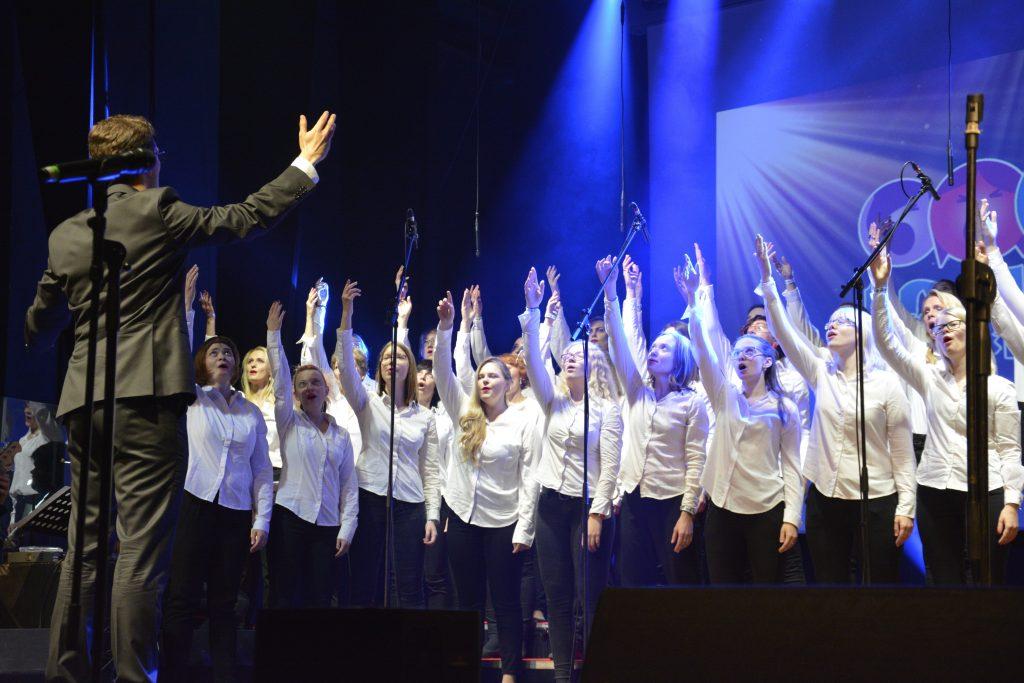 Rahvusvaheline pop/jazz konkurss-festival lauluragin kooridele ja duettidele Valga Kultuuri- ja Huvialakeskuses.